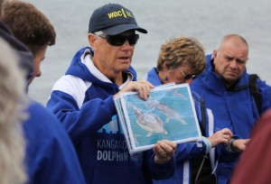 Tony briefing crew VH Nov 2015 Phyll Bartram